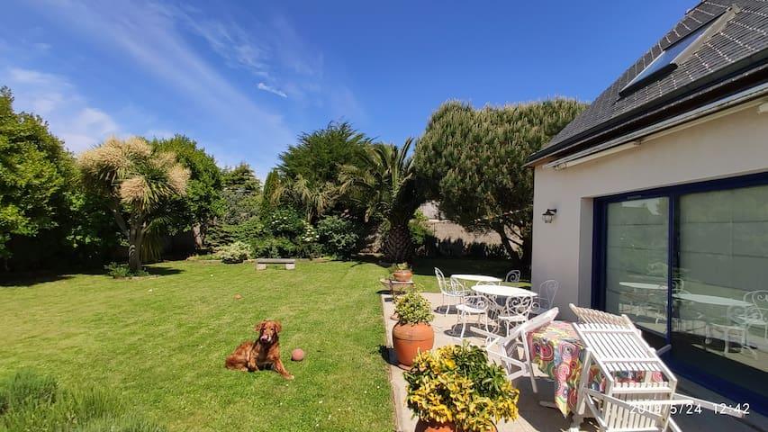 GUEST HOUSE, terrasse et jardin non loin de la mer