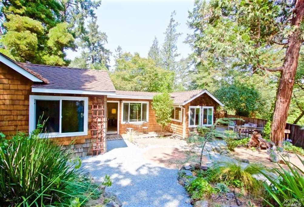 Sunny hilltop location! Not your typical Russian River woodsy cabin...