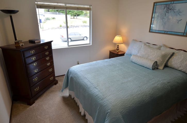 Mukilteo - Private Bedroom w/ Bath - Mukilteo