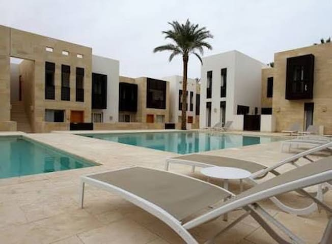 El Gouna modern apartment with direct pool access.