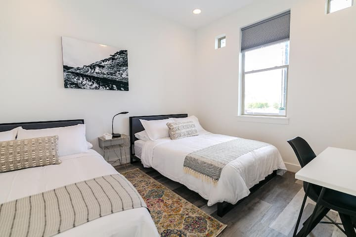 EaDo Signature Double Queen Room (DAILY SPECIALIZED CLEANING WITH NO EXTRA  FEES)