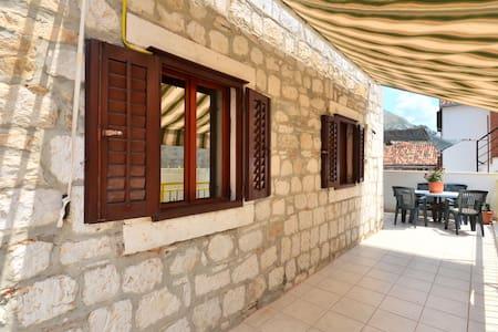 Vila Stari Grad - Apartment 4 - โอมิส - อพาร์ทเมนท์