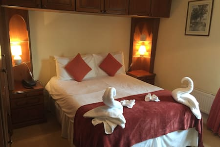 Rest and Be Thankful Inn Exmoor Room 8 - Wheddon Cross - Bed & Breakfast