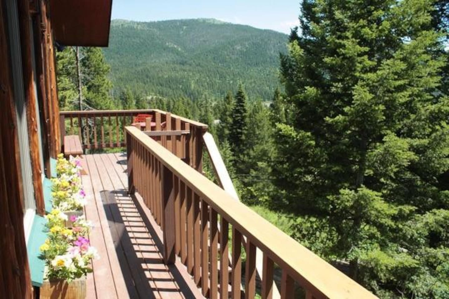 Great deck with flowers