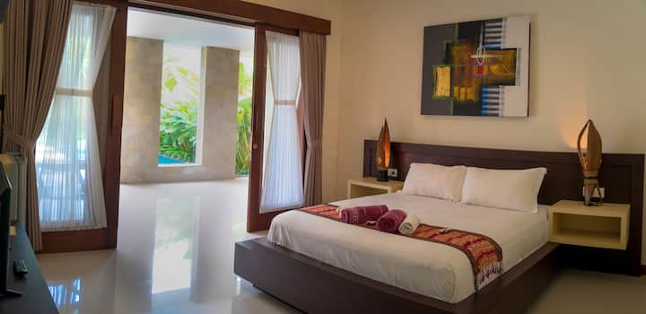 Villa R Sanur - 1 room