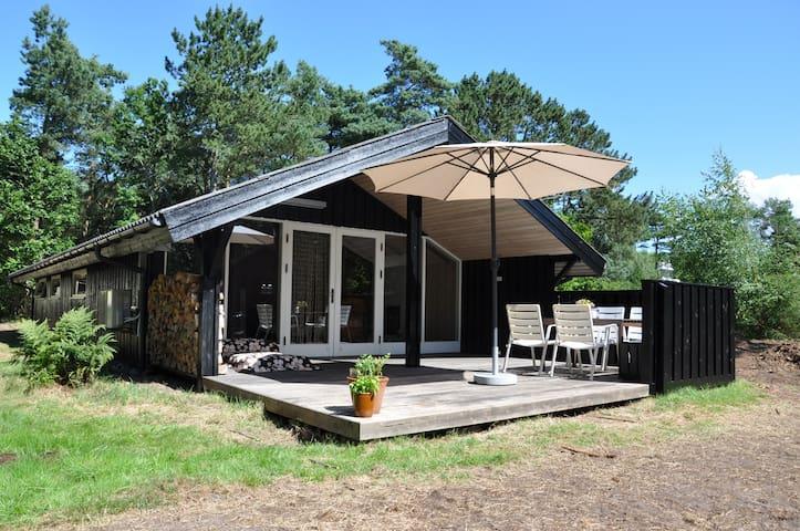 """Sommerhus med vandudsigt - """"Konditori"""" - Læsø - Mökki"""