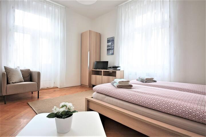 Comfortable 1-Bedroom Apartment, Angel, Prague 5