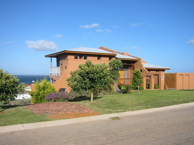 The Gem - holiday home @GardenRoute - Jeffrey's Bay - Villa