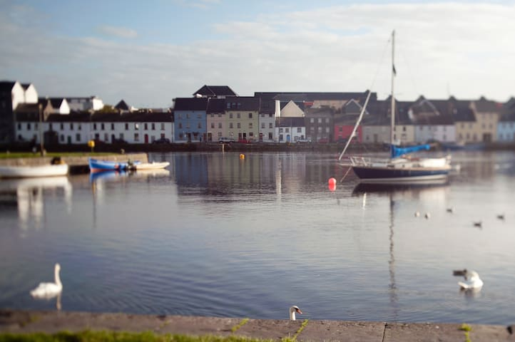 Home of the Galway Girl Herons Rest Seaview Single