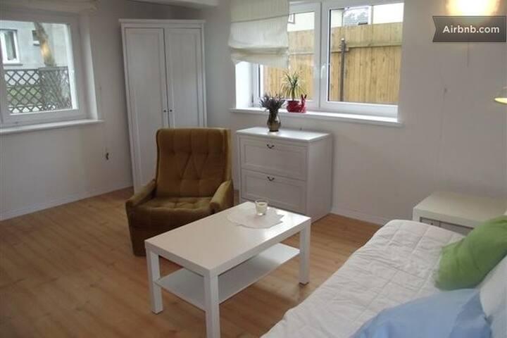 Garden Apartment 50m From Beach - Kuźnica - Appartement