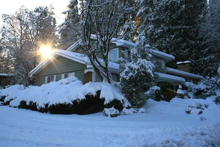 5BR/ 2,5BA house 30min to Vancouver - Port Moody - บ้าน