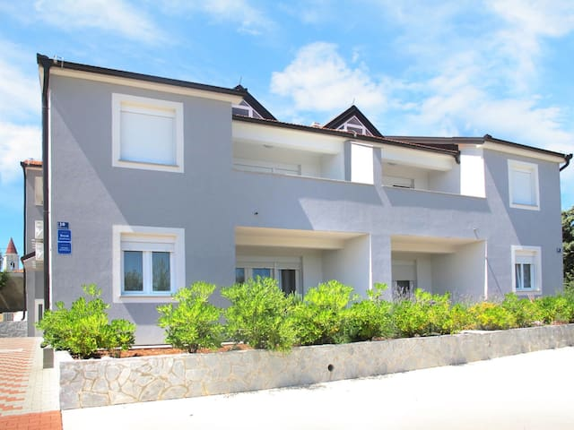 Apartment Haus Ivor for 6 persons