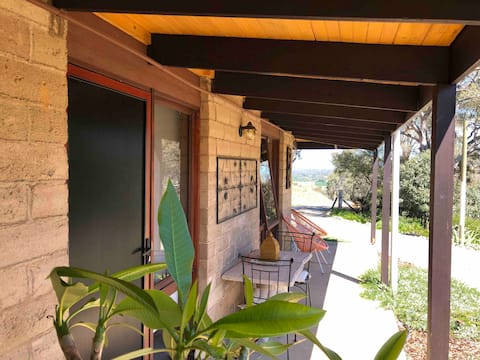 Two Camel B&B 688 Little River Rd. Tumut