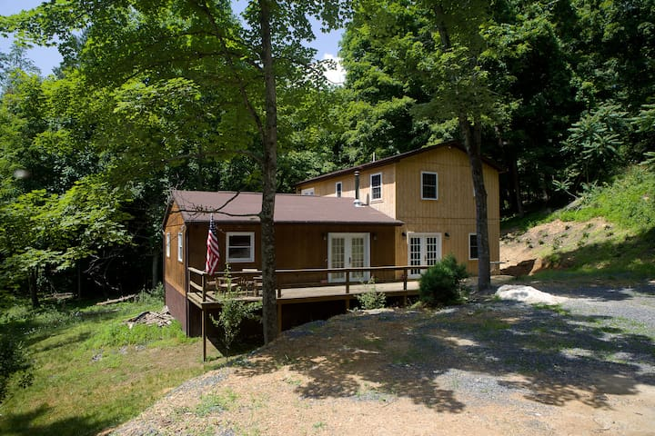 Lost River WV 5-br 4-ba cabin (A&B) - Lost River