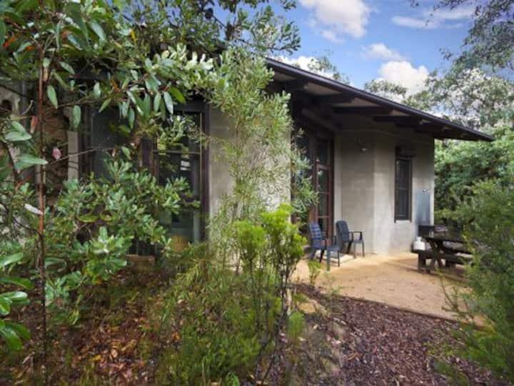 Kanimbla View Banksia Cottage