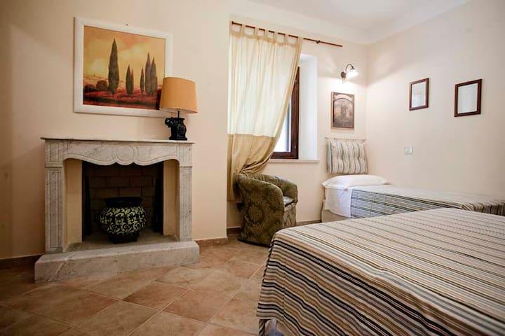 yellow room - La Cima - Bed & Breakfast