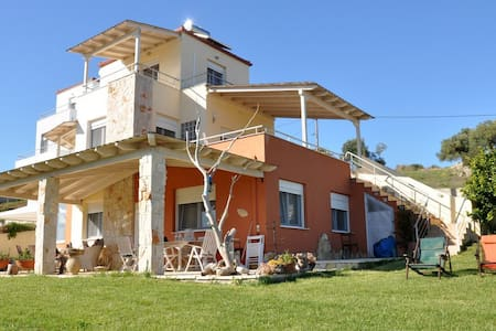 Beautiful new villa near Sani - Kassandria - Talo