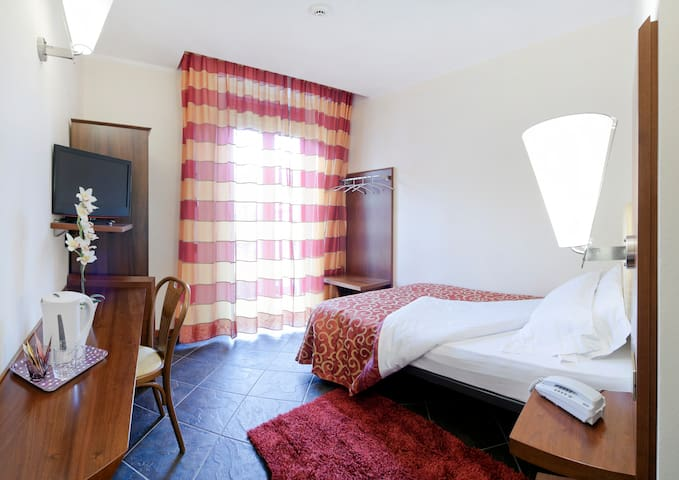Single room - Legnano - Wohnung