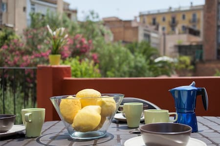 Central&cute, 2 terraces for 8 pax - Barcelona