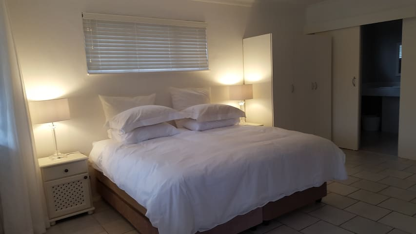 Cameron House, Self Catering Flat 1 - Umhlanga - Квартира