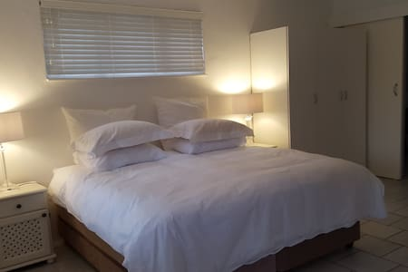 Cameron House, Self Catering Flat 1 - Umhlanga