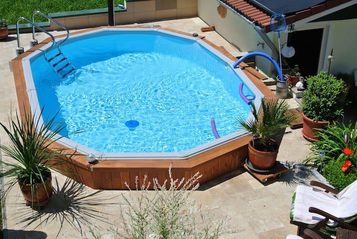 FeWohnung m. Pool  Preis für 2 Pers - Finningen - Apartamento