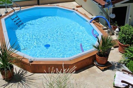 FeWohnung m. Pool  Preis für 2 Pers - Apartamento