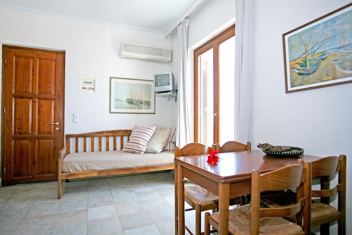 Apartment with 2 bedrooms with beautiful sea view - Kissamos - Huoneisto