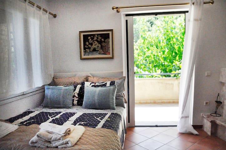 Comfy Studio in Pilio, Evia