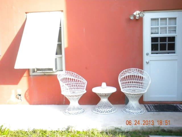 Cozy,Self Contained Garden Studio