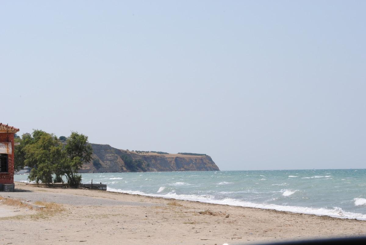 Дом в остров Агиа Триада недорого у моря