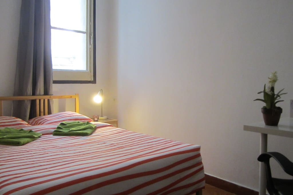 Double room with window to the old town