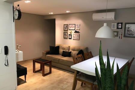 Belo apartamento recém reformado