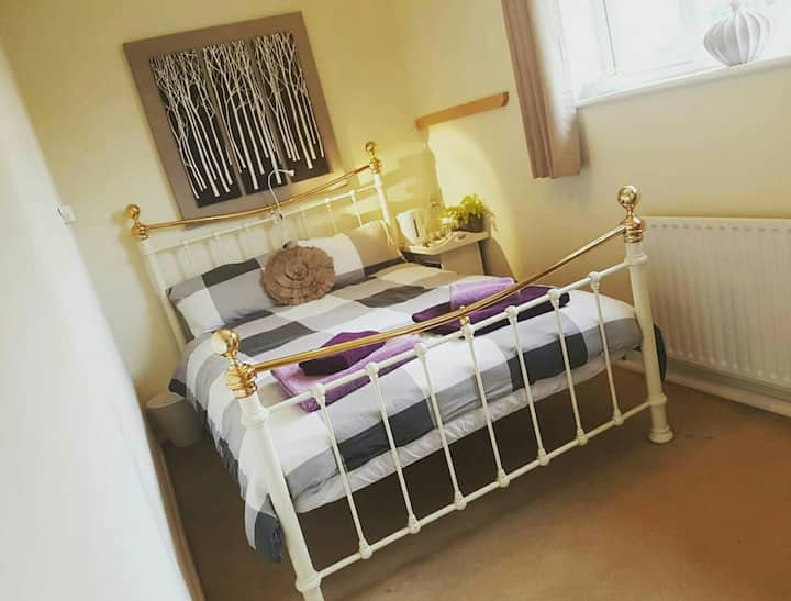 Perfectly situated double room in quiet house