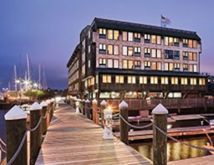 Wyndham Inn on Long Wharf 1 Bedroom 2 Nights