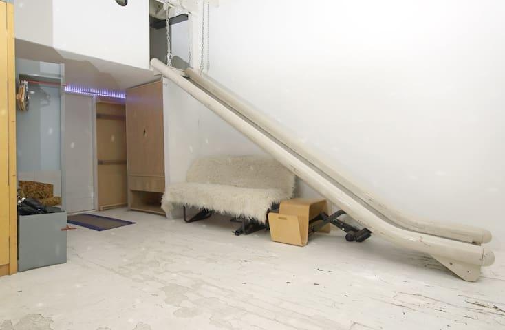 Cozy Fort in Classic Artist's Loft - Brooklyn - Loft