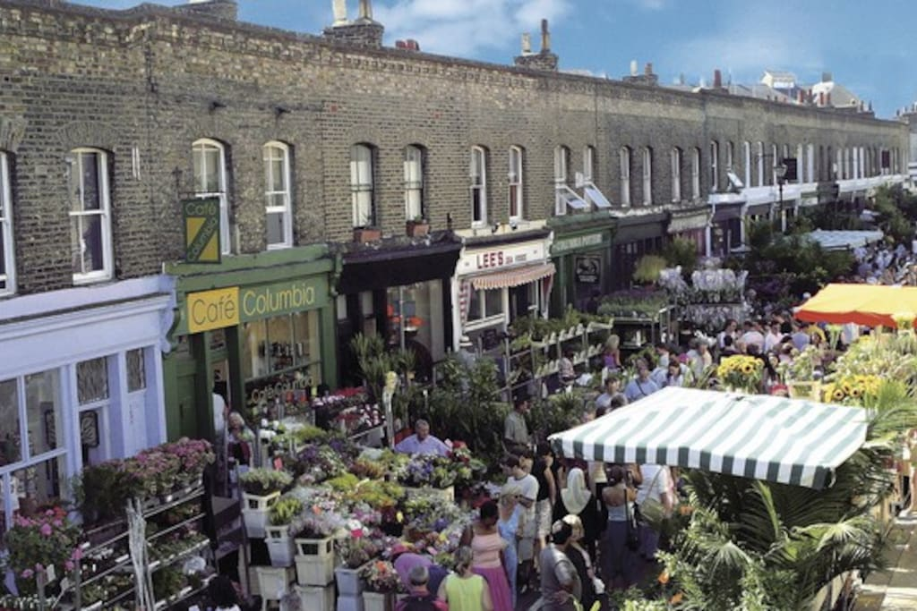 Two minutes walk to Columbia Road Flower Market