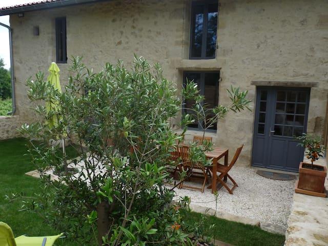 Gîte le Chai du Vieux Bourg Cérons - Cérons - House