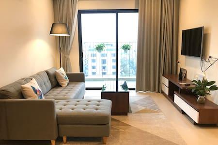 Luxury condominium at Westlake_Shared appartment