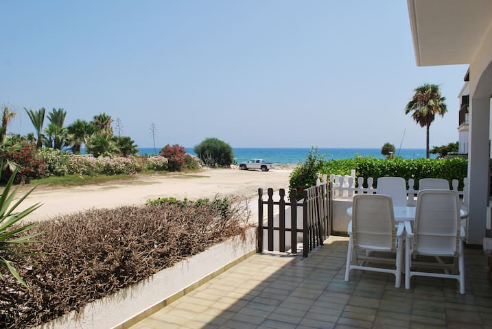 Sandy Beach Villas Apt. 25 - Larnaca - House