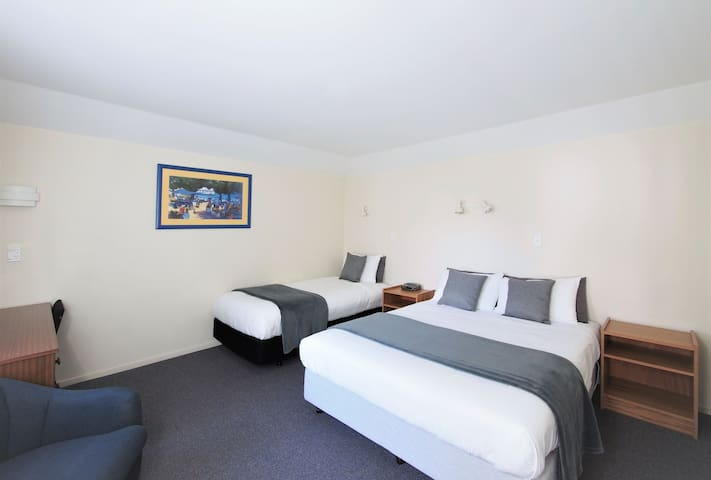 One Bedroom Access Apartment @ Riverlodge Motel