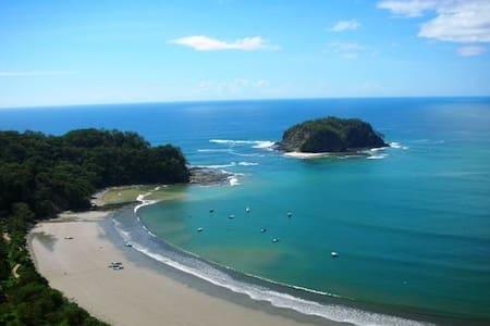 Oceanfront cabina - Sámara - 小平房