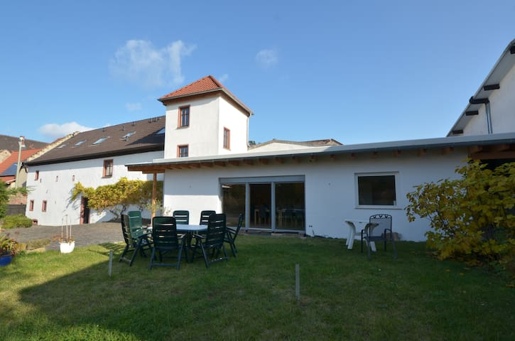 Comfortable 1BR Apt in our winery in palatinate - Großkarlbach - Appartement