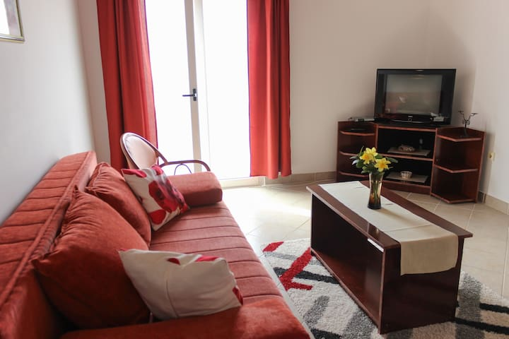 Apartment for 5 persons - Petrovac - Daire