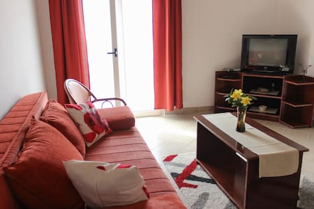 Apartment for 5 persons - Petrovac - Apartamento