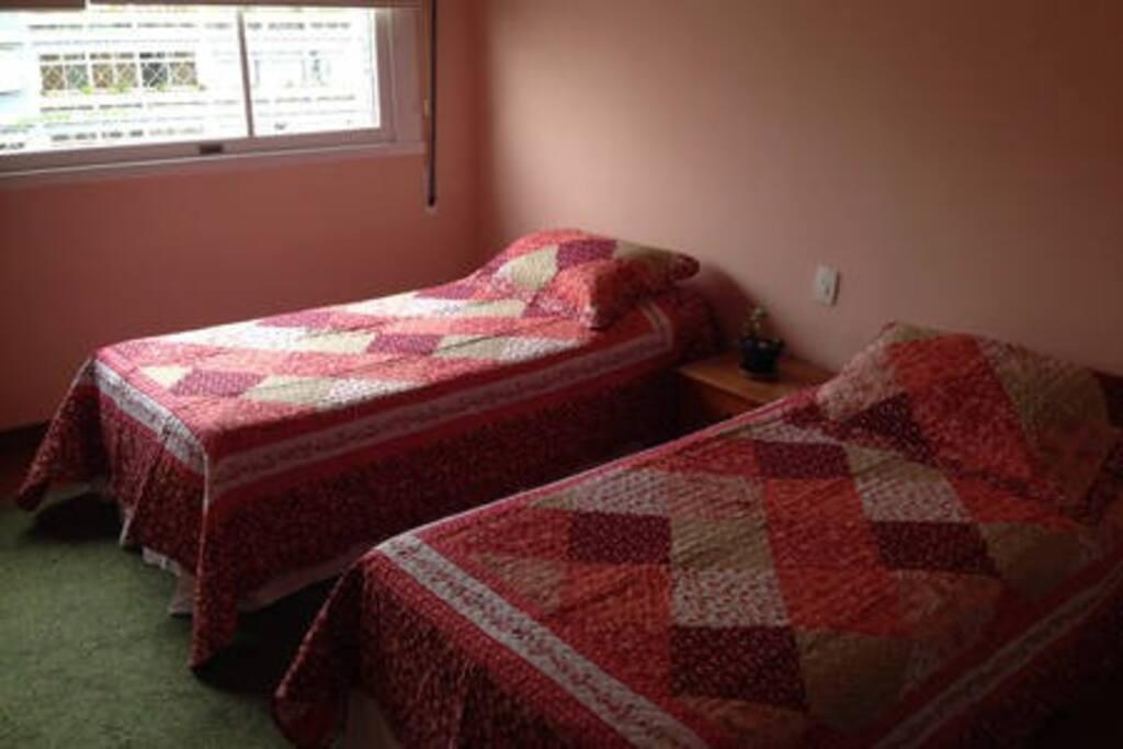 Outra imagem do quarto