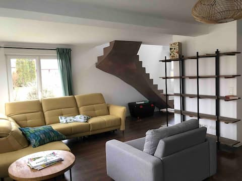 Maison spacieuse &chaleureuse pour un séjour vert