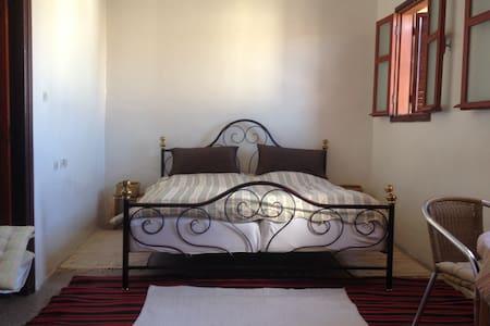 Sunny big room in old town house - Agadir - Maison