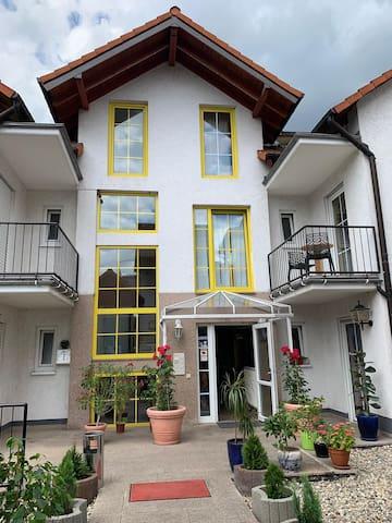 Hotel near Frankfurt Airport - Zimmer/Room 25