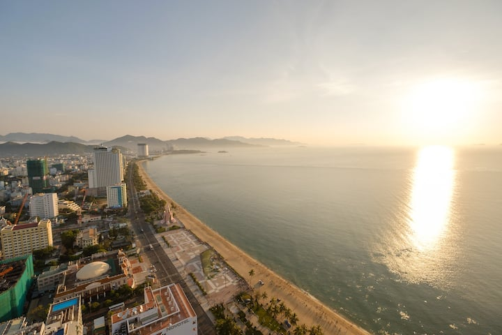 Sunrise Ocean View - Beachfront 1 Bedroom Apart
